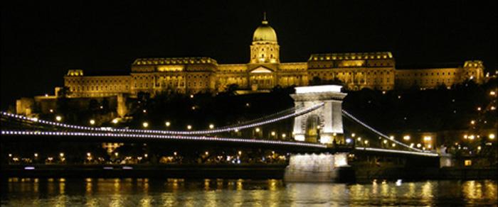 pont des Chaines et le Château