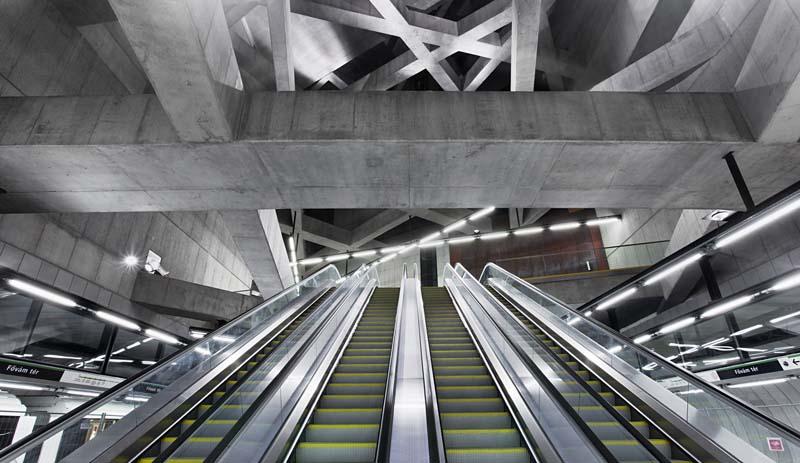Escaliers de la station métro Gellért