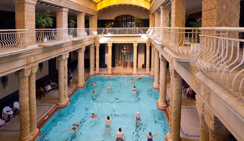 Gellért - piscine couverte