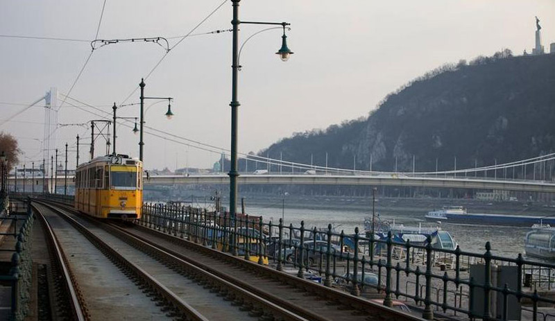 Le tram no 2