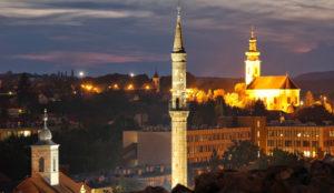 Minaret la nuit