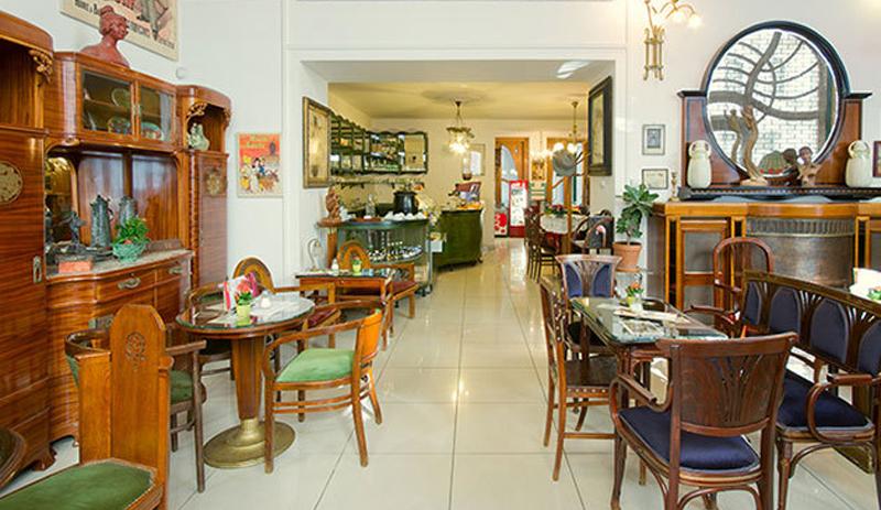 café de la maison Bedő