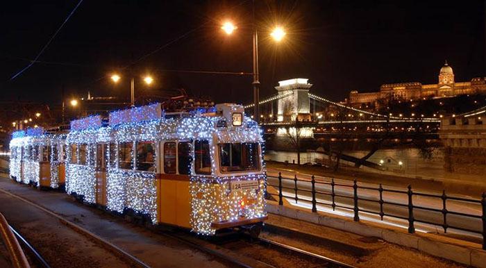 tram illuminé