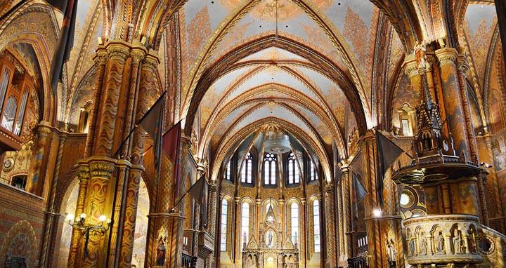 Eglise Mathias intérieur
