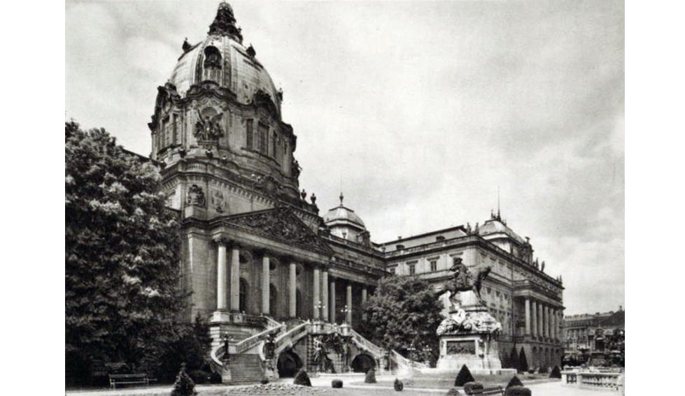 le Palais Royal en 1926