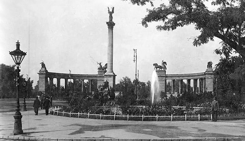 place des Héros en 1930