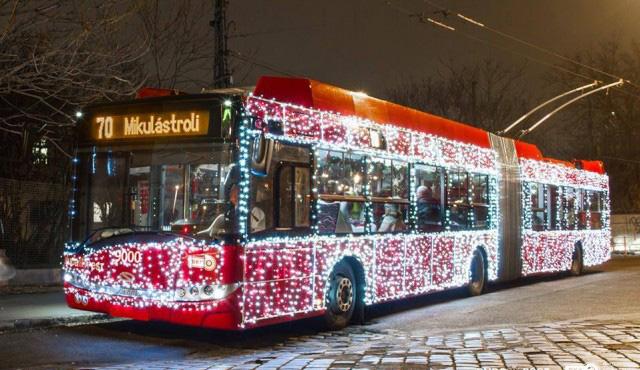 trolleybus illuminé