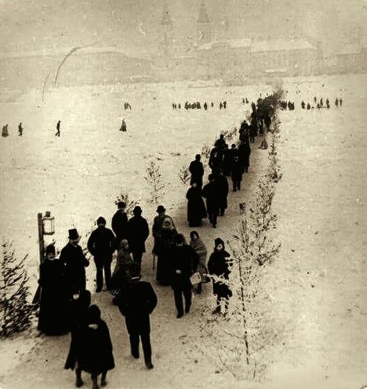 passage de piéton sur le Danube gelé en 1891